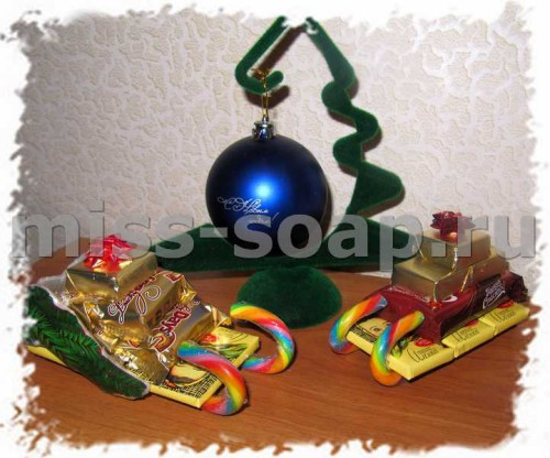 Санки из конфет на новый год своими